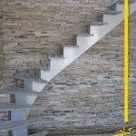 پله گرد با سازه میانی